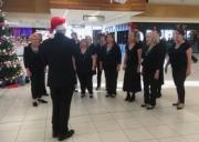 Christmas singing at the airport 20/12/17
